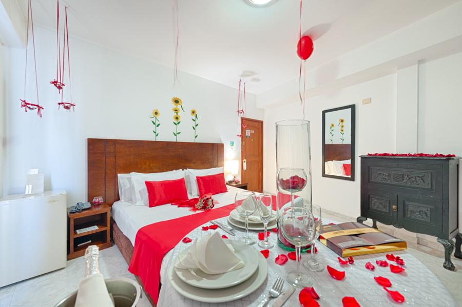 Plan rom ntico en cali hotel granada real - Decoracion habitacion romantica ...